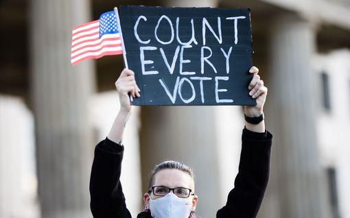 Pääkirjoitus: USA:n vaaleja seurataan tunteella – ei sen pohjalta, mitä tulos Suomelle tarkoittaa