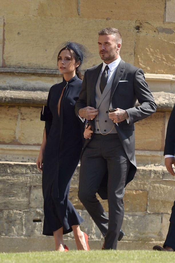 Victoria ja David Beckham saapuivat prinssi Harryn ja herttuatar Meghanin häihin toukokuussa.