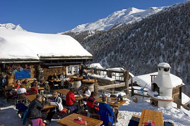 Veisikö sinun tiesi hiihtoloman aikana Zermattin rinneravintoloihin?