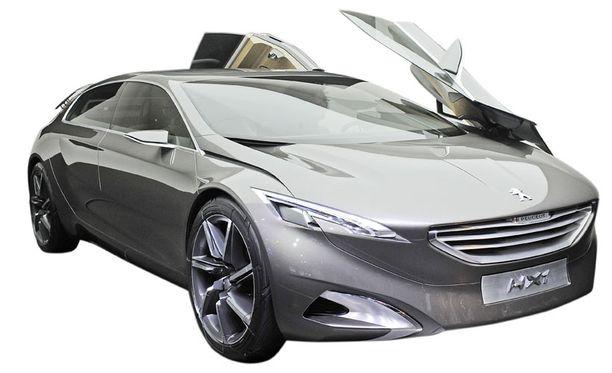 Peugeot HX1 dieselhybridikonsepti on matala tila-auto kuudelle. Sen erikoisuutena ovat vanteet, jotka muovautuvat tasaisiksi satasen nopeuden ilmanvastusta pienentämään. Auto käyttää PSA:n dieselhybriditekniikkaa.