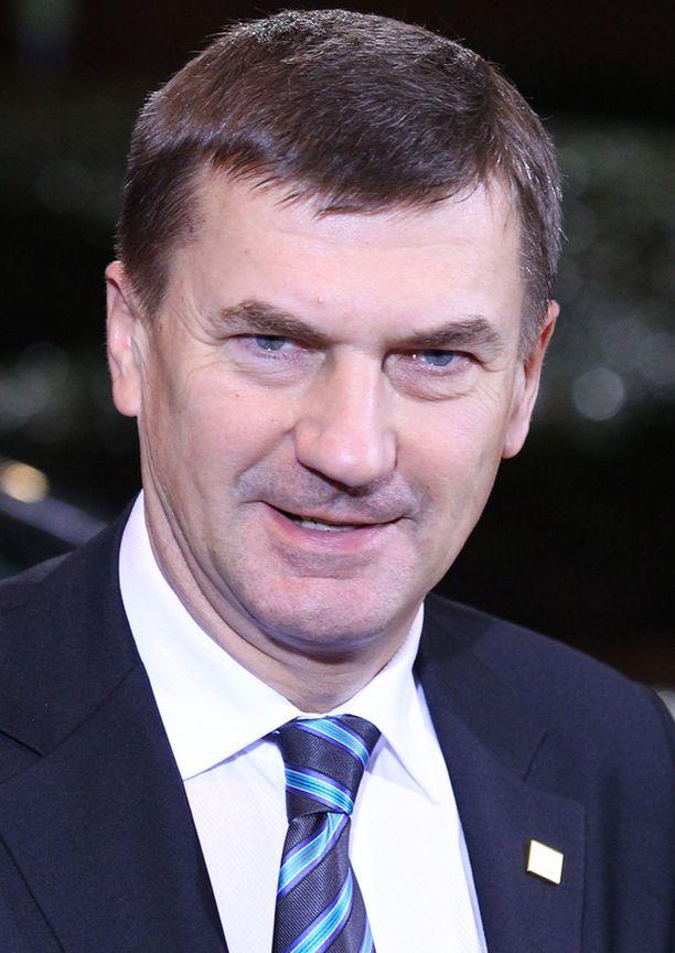 – Tämä on pieni askel euroalueelle, mutta valtava hyppy Virolle, riemuitsi Viron pääministeri Andrus Ansip uudenvuodenyönä.