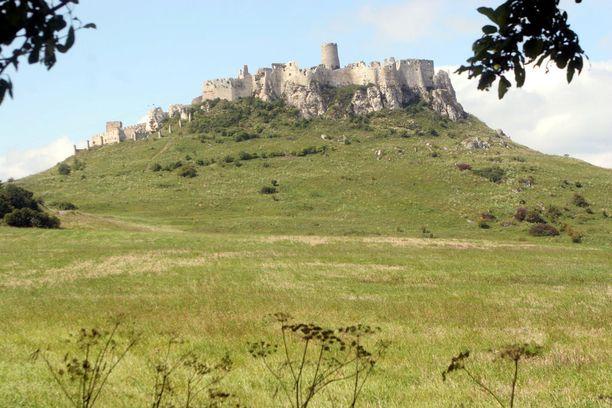 Spisin linna on raunioinakin vaikuttavan kokoinen.
