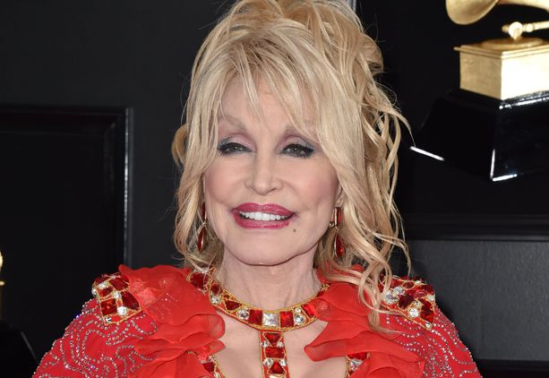 Dolly Parton muistetaan muun muassa kappaleista Jolene ja 9 to 5.