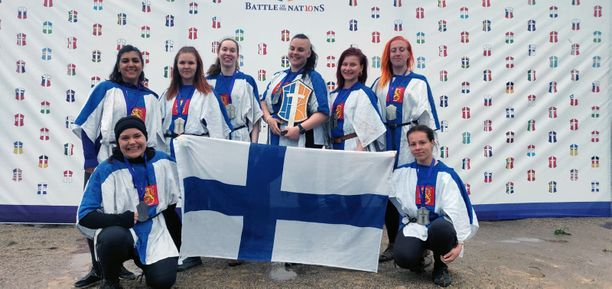 Aikaisemmin buhurtin maailmanmestaruuden kärkikaksikkoon ovat kuuluneet Venäjä ja Ukraina. Suomen naiset tekivät hopeasijallaan historiaa.