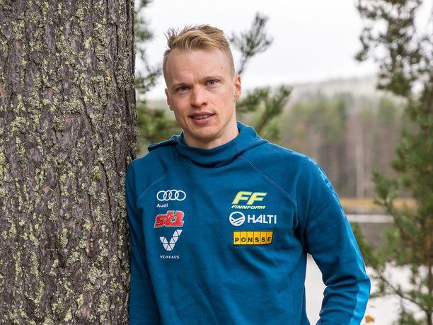 Iivo Niskanen jäi sprintissä kakkoseksi Vuokatin maisemissa. Arkistokuva.