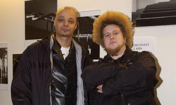 Raymond ja Mr Willy, eli Ville Mäkinen vuonna 2003.