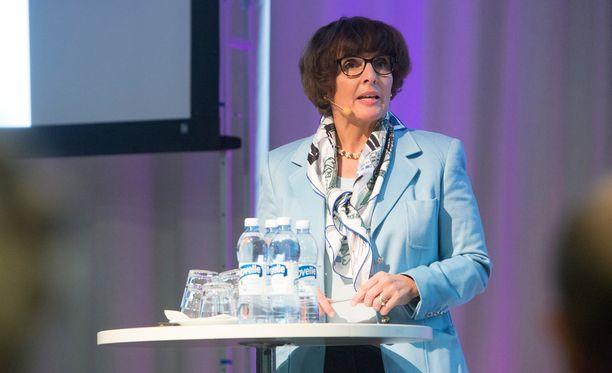 Liikenne- ja viestintäministeri Anne Berner on pitänyt tärkeänä suomalaisen uutistoimiston olemassaoloa.