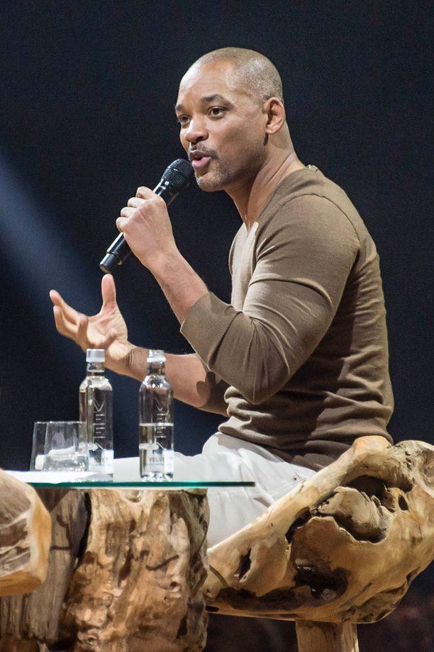 Will Smith puhui urasta ja menestyksestään Nordic Business Forum -tapahtumassa Helsingissä.