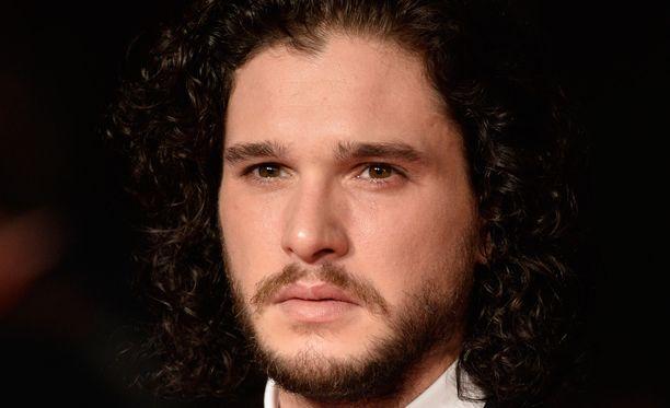 Kitt Harringtonin esittämä Jon Snow on yksi sarjan keskeisimpiä hahmoja.