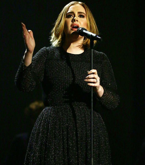Adele on muuttanut elämäntapojaan terveellisempään suuntaan.