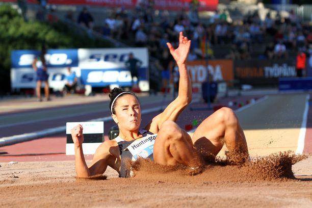 Maria Huntington hyppäsi vuoden 2020 Kalevan kisoissa pituutta.