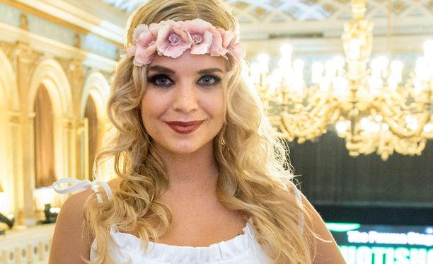 Lotta Hintsa muuttaa kihlattunsa luo Yhdysvaltoihin lokakuun lopulla.