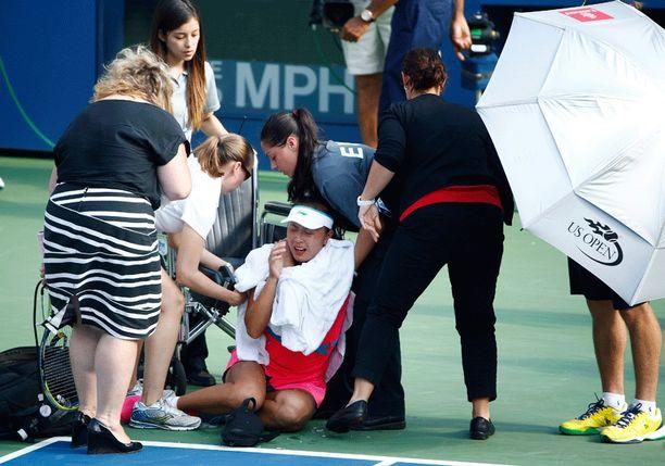 Peng Shuai kärsi kovista krampeista.