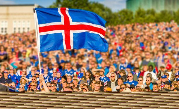 Reykjavikin kansanjuhlassa ottelua seurasi screeniltä valtava väkimäärä.