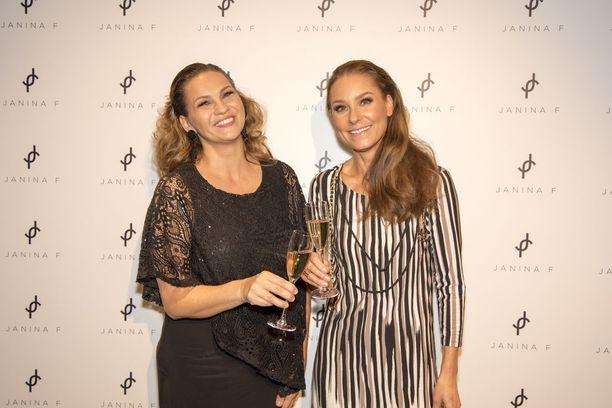 Karita Tykkä ja Janina Fry ovat olleet ystäviä jo vuosien ajan.