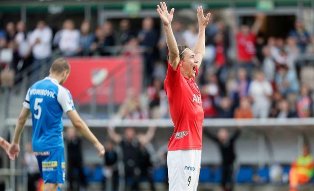 Pekka Sihvola iski HIFKlle juhlallisen voittomaalin.