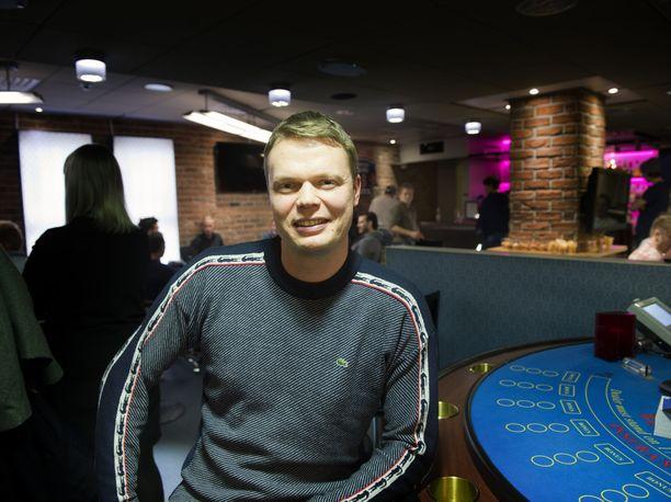 Juha Helppi on tehnyt miljoonatilin pokerin parissa.