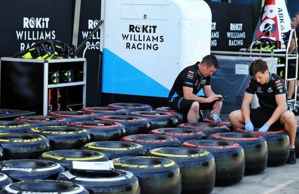Pirelli joutuu hävittämään 1800 rengasta.
