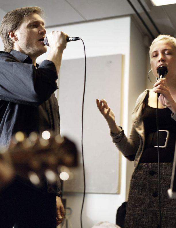 Samuli on hiljattain levyttänyt duettoja Jipun kanssa.