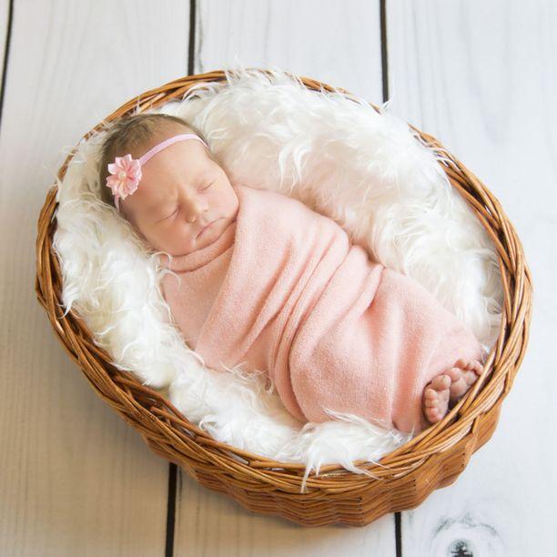Hanna Kallion ottamissa kuvissa vauvat ovat unten mailla. Se on luontevaa, koska vastasyntynyt nukkuu paljon.