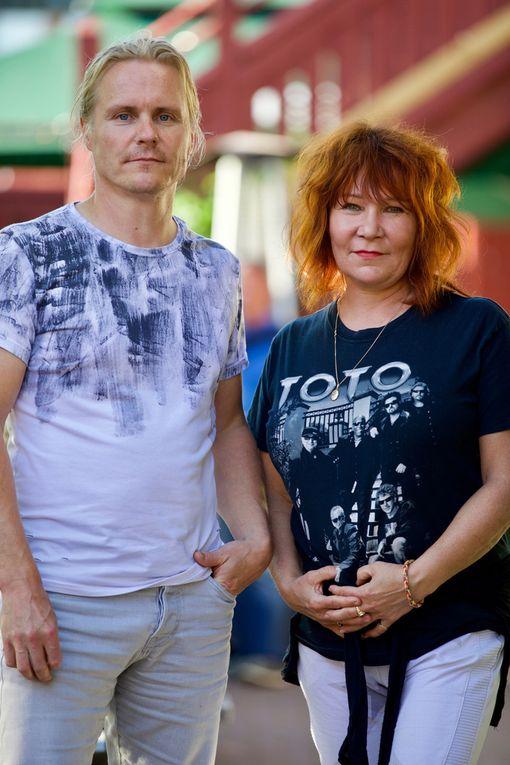 Ensimmäinen yhteiskuva. Virve ja Nude ovat seurustelleet jo kuusi vuotta.