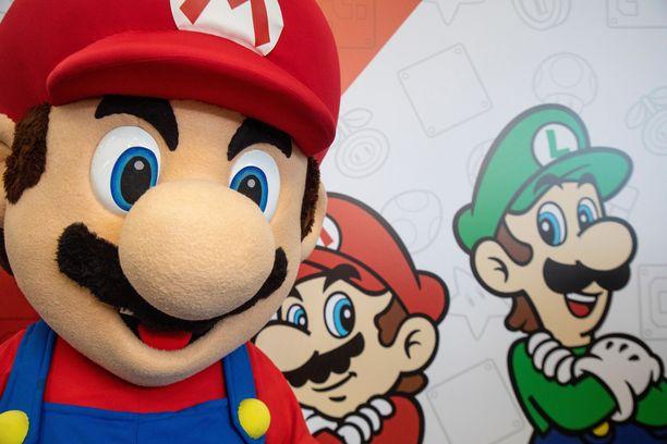 Mario ja Luigi seikkailevat lukuisissa peleissä.