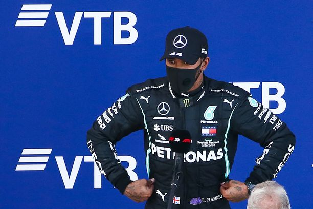 Lewis Hamilton oli pettynyt mies Venäjän GP:n jälkeen. Myöhemmin hän pahoitteli sanomisiaan.