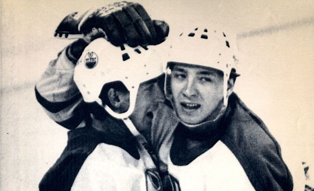 Wayne Gretzky ja Jari Kurri muodostivat yhden NHL:n kaikkien aikojen tandemeista.