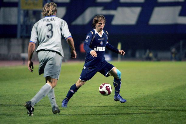 Modric aloitti futisuransa Dinamo Zagrebin paidassa.