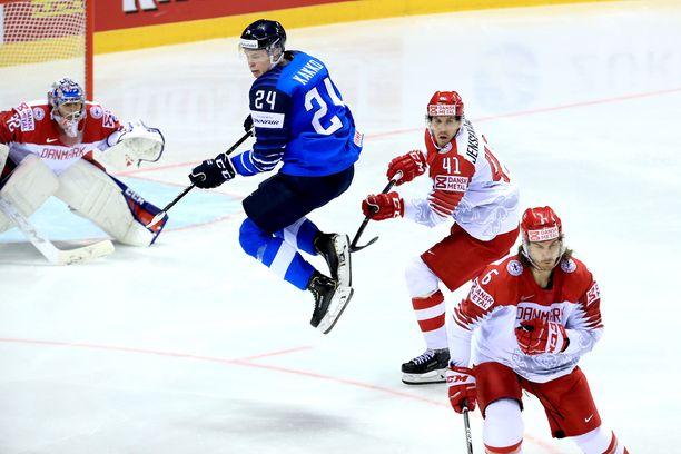 Kaapo Kakko oli Tanska-ottelussakin muiden pelaajien yläpuolella.