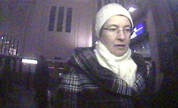Viimeinen näköhavainto opettajana työskennelleestä Heikinheimosta on uudenvuodenpäivältä, jolloin hän kävi Malmilla pankkiautomaatilla.