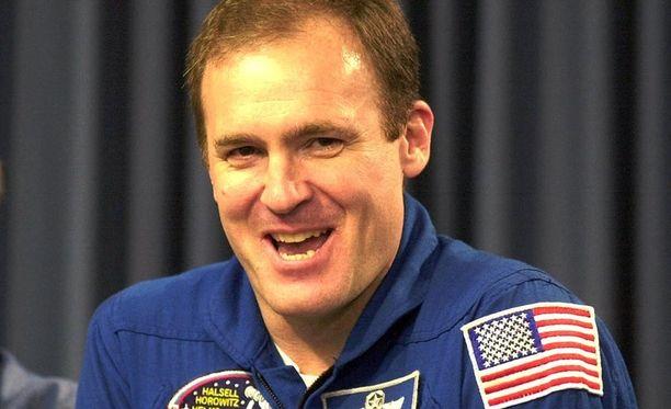 Halsell on viettänyt avaruudessa yhteensä runsaat 1250 tuntia.