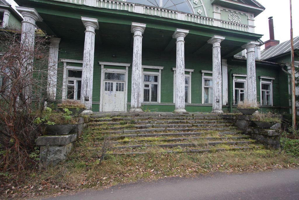 Viipurissa syntynyt Ilja Sleptsov etsi perheelleen kesämökkipaikkaa ja törmäsi Kiiskilän kartanoon.