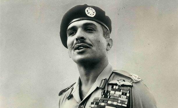 Nuori kuningas Hussein tuli Amerikkaan ja halusi naisseuraa. CIA järjesti asian.
