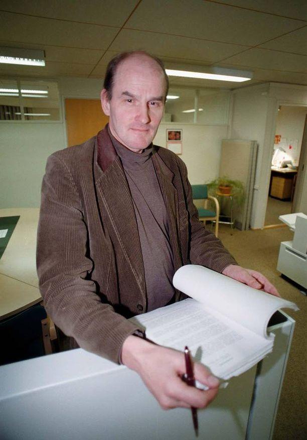 Professori Matti Tolvanen toivoisi kovempia rangaistuksia vakavista rikoksista.