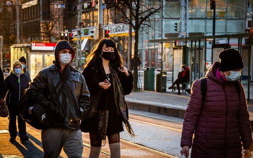 Suomen tautitilanne nyt: Jyväskylässä korona levinnyt sairaalaan – pääkaupunkiseutu jatkaa rajoituksia tammikuulle