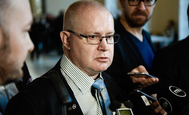 """Jari Lindström kertoi saaneensa takaisin """"palon"""" poliittiseen vaikuttamiseen."""