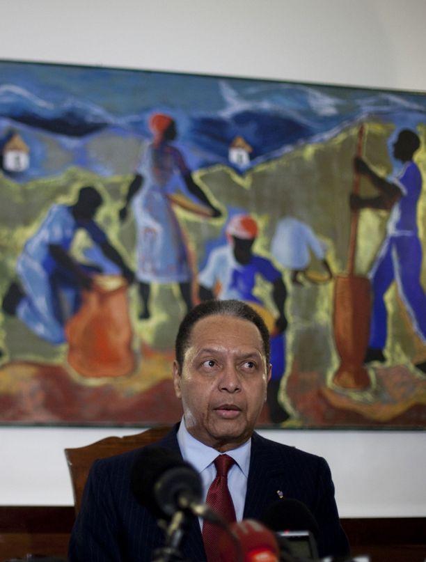 Taiteenkerääjänä tunnettu Duvalier on kiistänyt syytteet ihmisoikeusrikoksista.