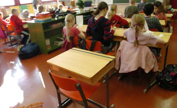 Jopa 60 000 lasta on tänä vuonna ilman opettajaa.