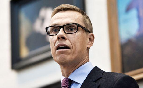 Kysymys avustajien kuluista liittyy Alexander Stubbin aikaan ulkoministerinä.