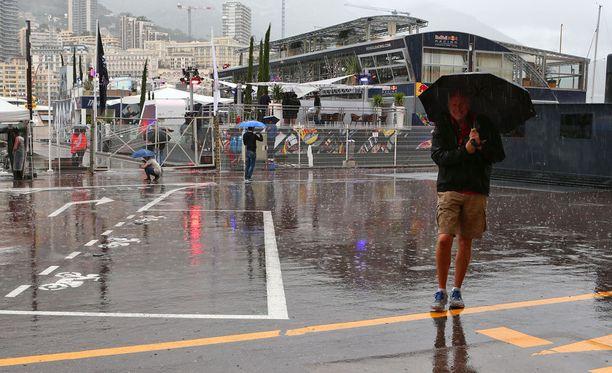 Monacossa on satanut tänään aamupäivällä runsaasti.