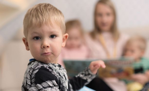 Perhepäivähoidossa lapsi saa yksilöllistä huomiota ja tukea omalle kasvulleen.