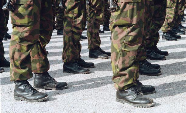 617 henkilöä ylennettiin Puolustusvoimain lippupäivänä 4.6.2015. Arkistokuva.