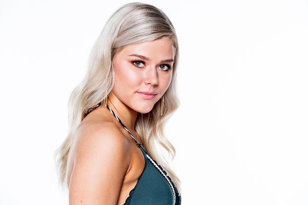 Eevi Ihalainen ei menestynyt Miss International -kisoissa.