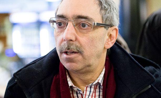 Kokoomuksen kansanedustaja Ben Zyskowicz ehdotti, mistä kannattaa leikata.
