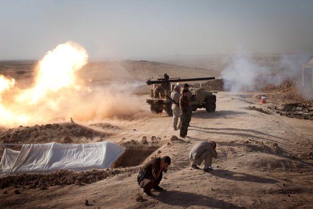 Kurdien peshmerga-joukkoja taistelemassa Isisiä vastaan Irakissa elokuussa