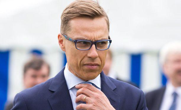 Valtiovarainministeri Alexander Stubbin asunnolle iskettiin maanantain ja tiistain välisenä yönä.
