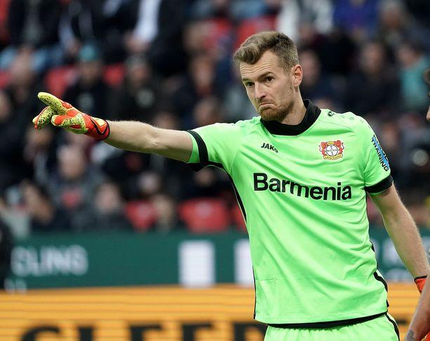 –Niin kauan kuin saadaan kuriin tämä virus, ei jalkapallolla ole väliä yhtään, sanoo Bayer Leverkusenin ja Huuhkajien Lukas Hradecky.