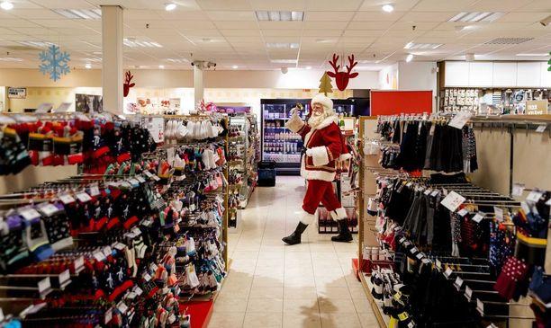 Lahjoja hankkimassa? Hollannissa pukki havaittiin ostoksilta.