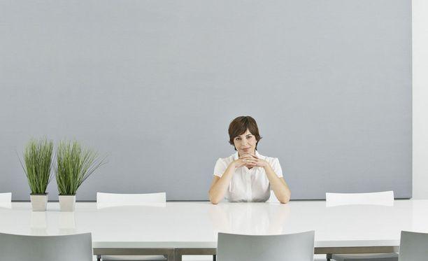 Moni sortuu odottelemaan, kun kannattaisi aloittaa verkostoituminen ja tutustuminen.